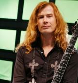 Líder de Megadeth lanza grave denuncia en pleno concierto: Obama planeó tiroteos como el de Aurora