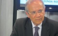 """Adrián Salbuchi: """"Si el poder público se queda privatizado, su único fin será ganar plata"""""""
