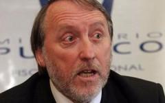 Fiscal Ayala en problemas: Lo acusan de filtrar información para favorecer a Peñailillo y SQM