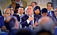 "Canciller venezolano acusa a Mike Pompeo de liderar ""golpe"" contra Maduro"