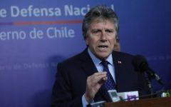 """Ministro Espina anuncia fin de recontrataciones por """"pituto"""" en las Fuerzas Armadas"""