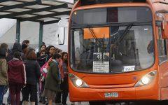 Gobierno de Piñera intenta compensar a empresas del Transantiago por estallido social