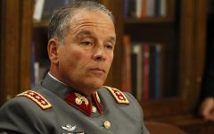 Procesan a ex comandante en Jefe del Ejército Humberto Oviedo por fraude en viajes turísticos