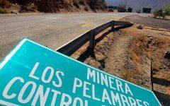 Denuncian amenazas contra estudiante de Periodismo que investigaba a minera de Luksic